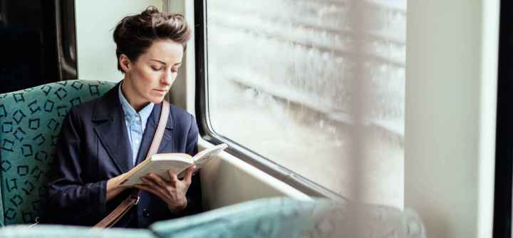 reading while commuting